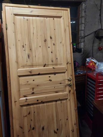 Piekne drzwi sosnowe
