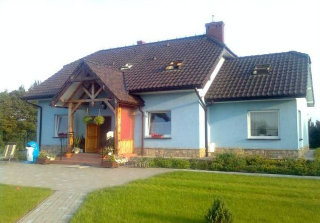 Wyjątkowy dom wolnostojący, garaż, stajnia, pomieszczenie gospodarcze
