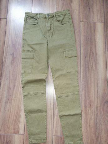 Spodnie rurki bojówki zielone rozmiar 38 stradivarius