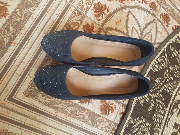 Туфлі в гарному стані без дефектів