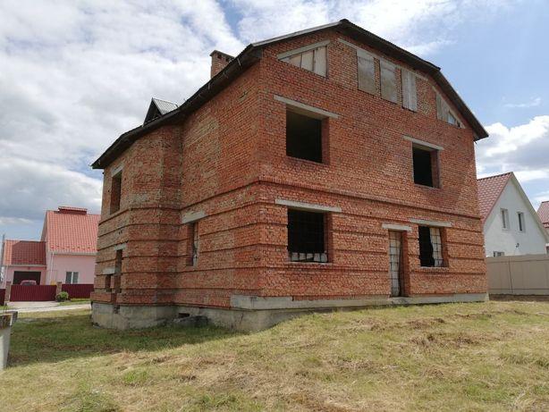 Срочно продам дом в Каменец Подольске с. СЯмотрич. Цена договорная