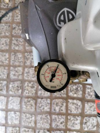 Maquina de pressão