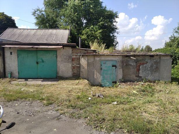 Продам просторный сухой гараж