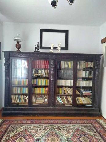Piękna biblioteka -antyk