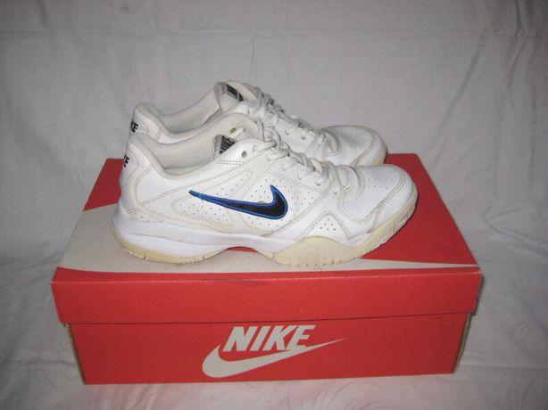 Кроссовки Nike оригинал 37 размер по стельке 24 см.Кожаные ..Легенькие