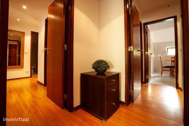 Apartamento mobiliado com cozinha equipada