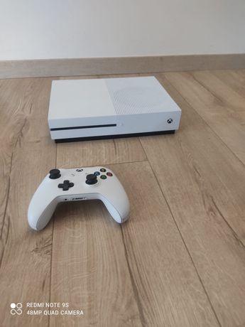 Xbox One S, Pamięć 1Tb, UHD z 2018 stan idealny.