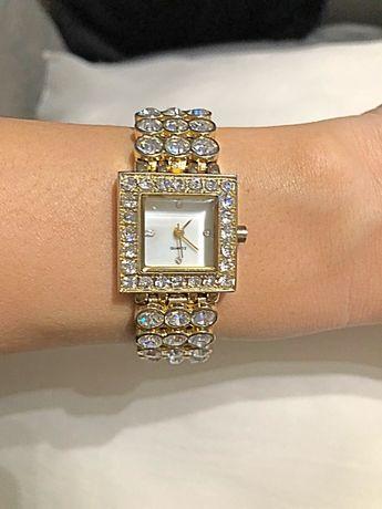 Zegarek z kryształkami złoty lux cudo