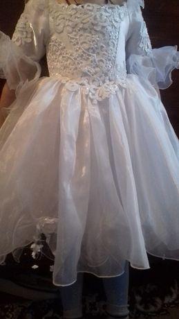 продам детское платье.на6-7лет.в хорошем состоянии.очень нарядное.