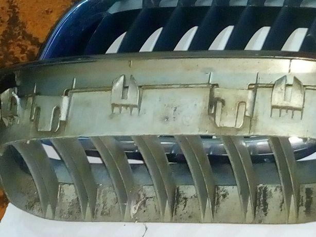 Решетка радиатора на BMW x 5 до 2004 года