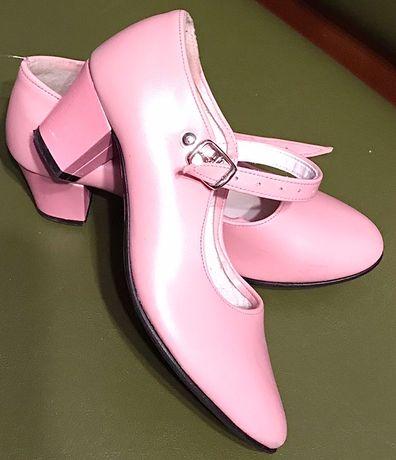 Туфельки для бальных танцев