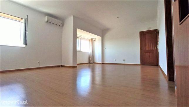 Apartamento T2 - novamente disponível