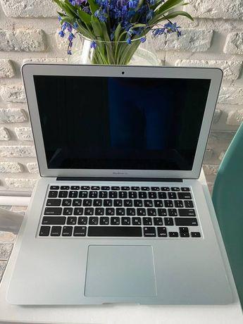 """Apple MacBook Air 13"""" i5 4GB DDR3 SDD128GB"""