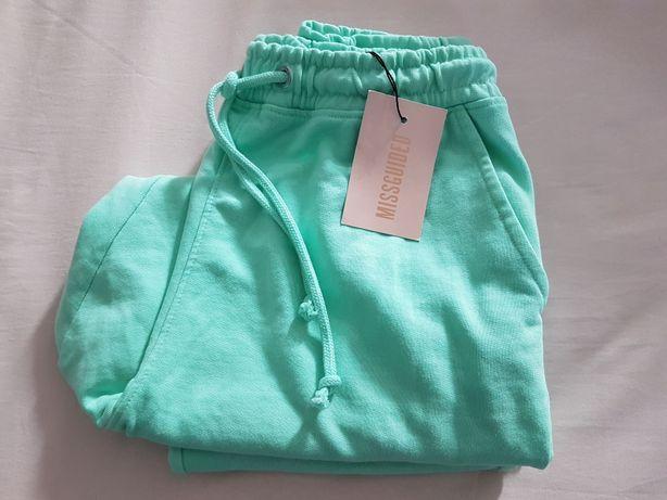 Spodnie dresy Missguided mietowe