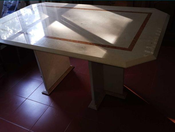 Mesa em mármore nova
