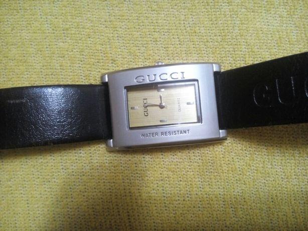 Продам наручний годинник.