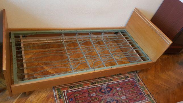 Продается деревянная односпальная кровать
