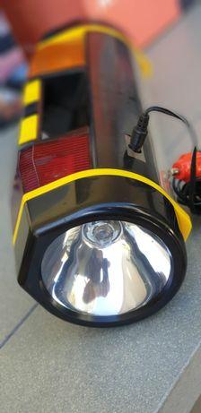 Lanterna combinada para uso no carro, com alimentação no isqueiro