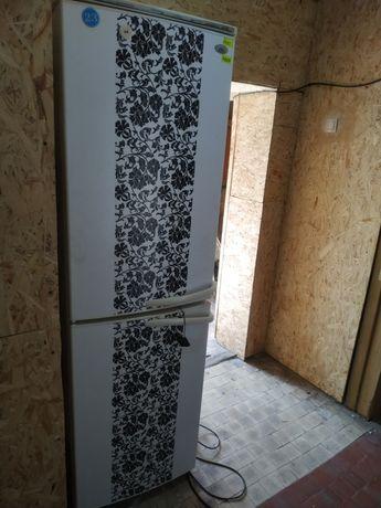 Холодильник Атлант рабочий