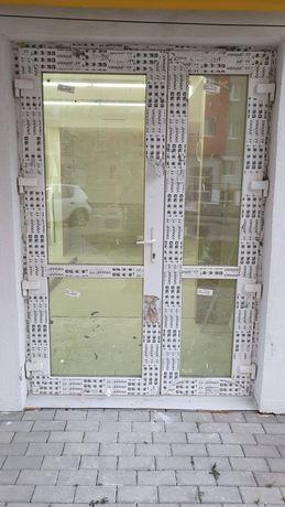 Нові двері вхідні металопластикові