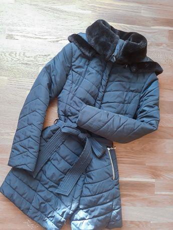 Зимова куртка , пуховик