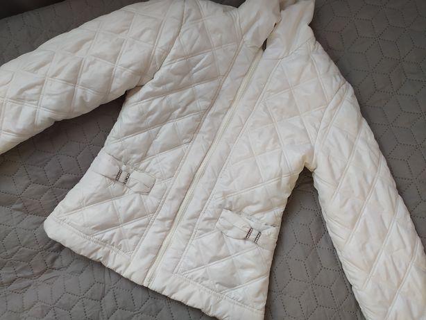 Продаю білу куртку для дівчинки 9-10 років