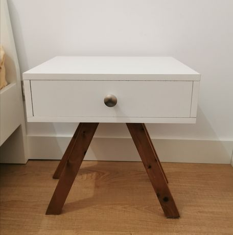Mesas de cabeceira design único por medida