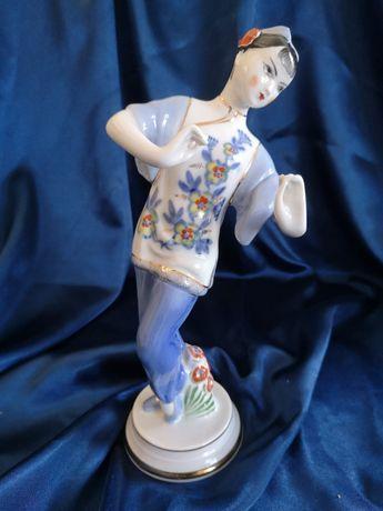 Porcelana Figurka porcelanowa produkcji Fabryki Dmitrovsky Verbilki
