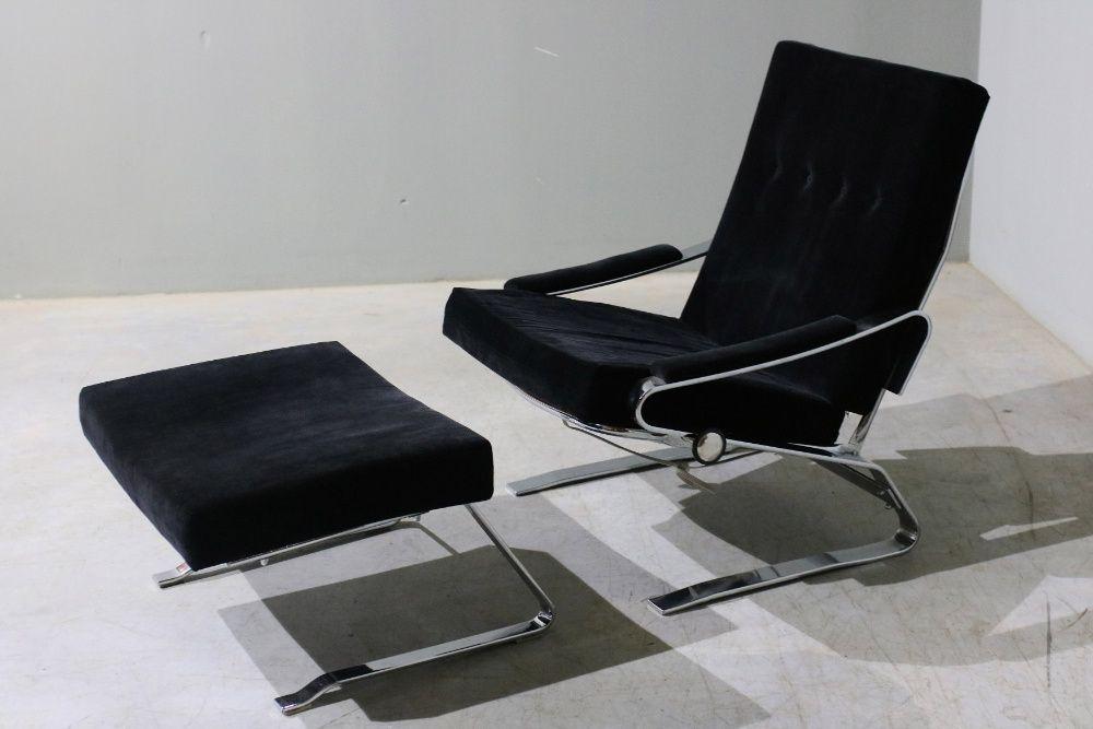 Conjunto de poltrona e pousa pés da década de 70