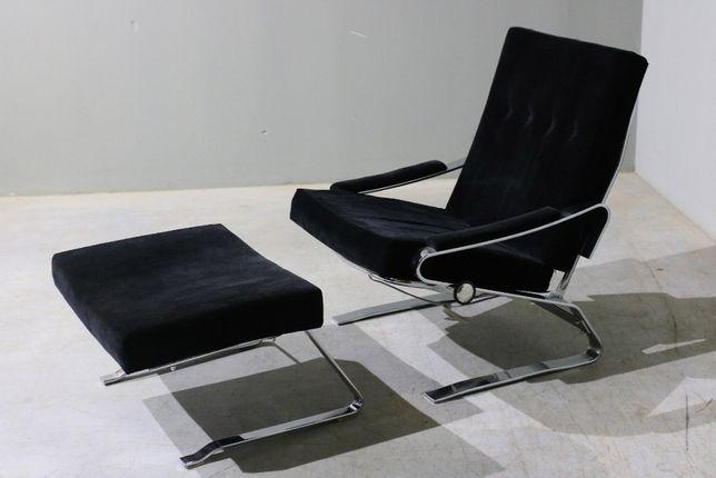 Conjunto de poltrona e pousa pés da década de 70| Vintage | Armchair