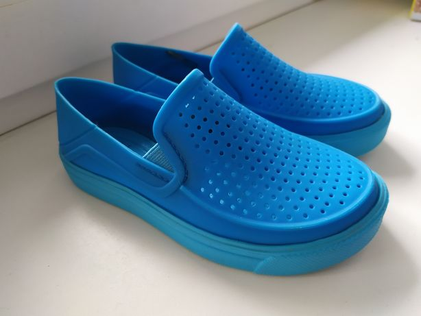 Продам слипоны Crocs