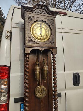 Piękny stary zegar stojący