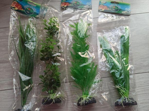 Zestaw czterech roślinek do akwarium. Sztuczne