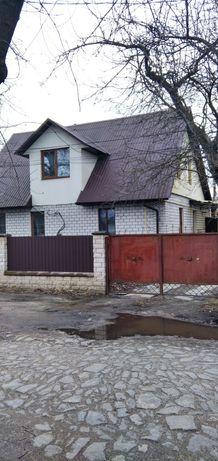 Продається двохповерховий будинок