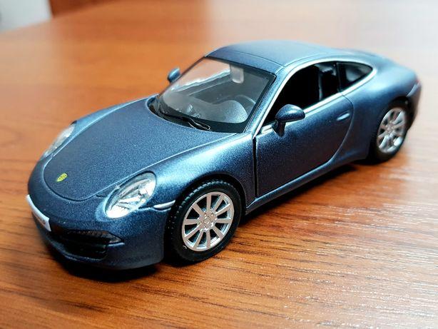 Модель автомобиля Porsche 911 Carrera S