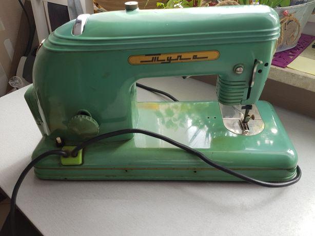 Maszyna do szycia z 1956 r , sprawna , antyk