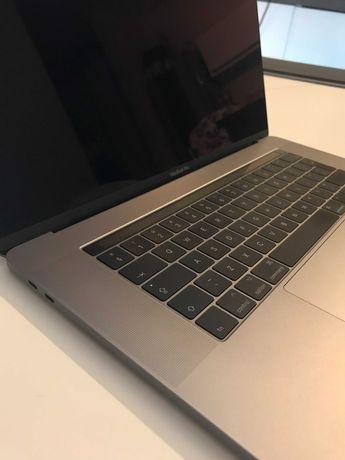 """MacBook Pro 2017 15"""" 16 GB RAM, 256GB SSD, Procesor i7 2.8 Ghz"""