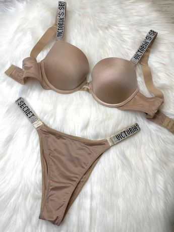 Комплект белья Victoria's Secret Very Sexy Push-Up. Стразы Swarovski.