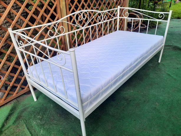 """Stan idealny jak nowy białe łóżko 200x90  """"RINGE"""" z ładnym materacem"""
