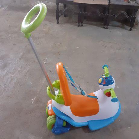 Triciclo de bebê