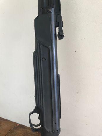 Пневматична зброя Іж-512М