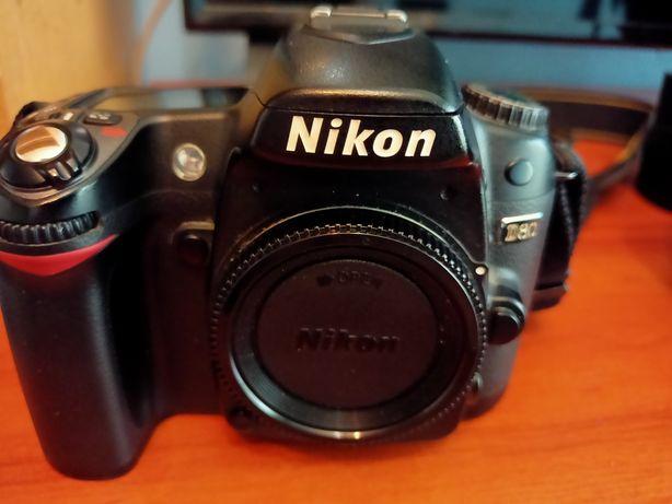Nikon D80 + 1 obiektyw 18-70mm