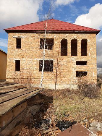 Продається незавершене будівництво на приватизованій земельній ділянці