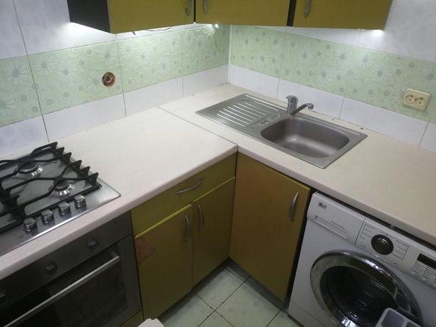 Срочно по цене 1 к. квартиры продам 2 к. из. кв м. Метростроителей