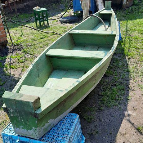 Лодка деревянная плоскодонка