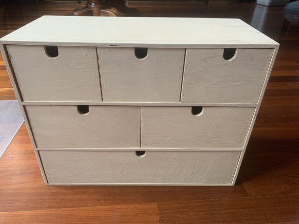 Drewniania mini komoda biała (biały beż) z szufladami IKEA