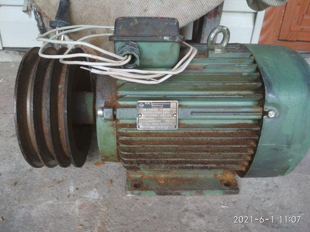Электродвигатель 2.2 кВт 950 об/мин, электромотор