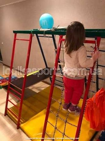 Горка, детский спортивный комплекс, игровая площадка. Качели, мат