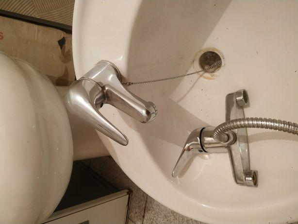 Loiça WC + conjunto torneiras