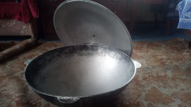 Казан татарский с крышкой 22 литра с четырьмя боковыми ручками
